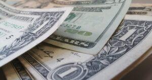 Co dělat ve finanční nouzi?