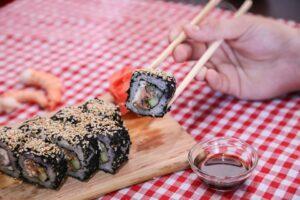 Sushi vzniklo z ryb kvašených v rýži, přesto je to jeden z nejoblíbenějších pokrmů světa