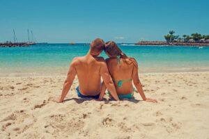 Hledáte vážný vztah nebo flirt? Seznamování online nabízí víc